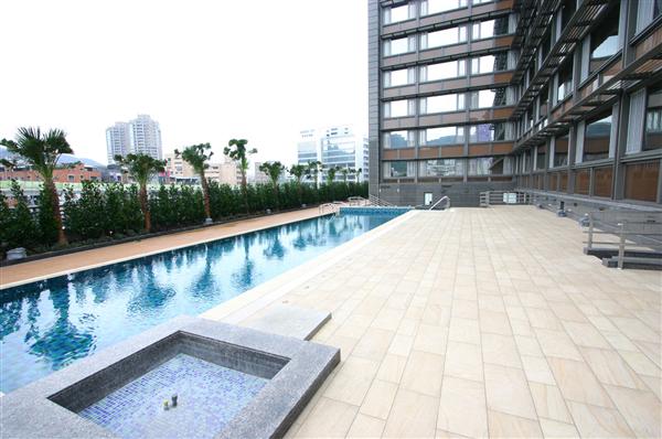 台北香樹花園酒店_游泳池_游泳池