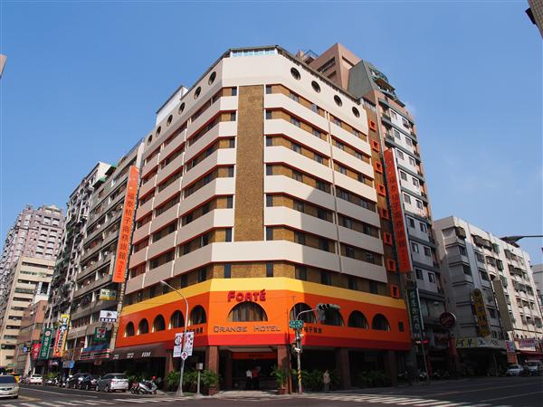高雄福泰桔子商務旅館【六合店】_酒店外觀_酒店外觀