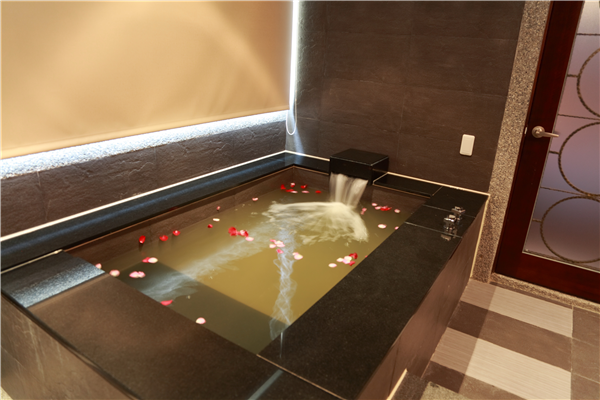 花蓮 松之風溫泉精品旅店_客房_尊貴家庭房浴室