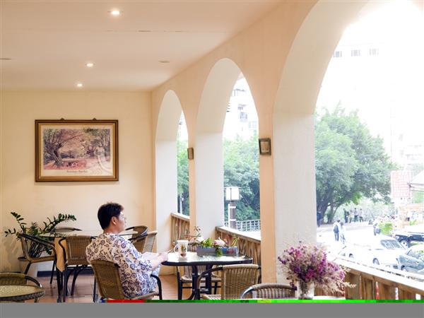 台北北投 美代溫泉飯店_咖啡店_1樓河岸咖啡廳