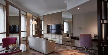 Cosmopolitan-Hotel-Hong-Kong-in-Room-Amenity