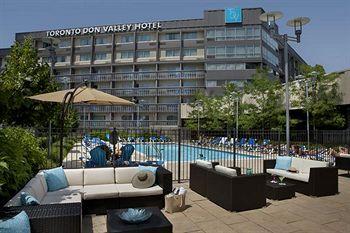 多倫多當谷皇冠假日飯店 Toronto Don Valley Hotel and Suites