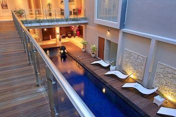 南京带游泳池别墅-靠近库塔海滩   饭店客房数量:   所有距离资讯是以饭店到景点的直线