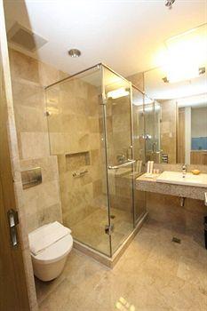 长滩岛皇冠丽晶酒店和会议中心 crown regency resort