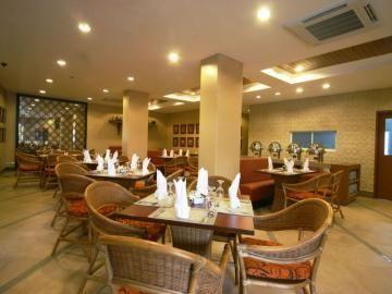 长滩岛皇冠丽晶王子度假饭店 crown regency prince resort