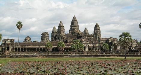【梅瀾的微笑】~柬埔寨5日 吳哥古城.洞里薩湖遊船. 史詩歌舞劇.5星酒店(無購物)