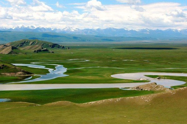 【不老傳說】南北疆春意盎然18日~塔克拉瑪干大沙漠、巴音布魯克草原、喀納斯湖、禾木村