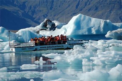 易起飛➤北歐雙國冰島 幸福極光歐若拉 藍湖溫泉 夢幻冰河湖、小美人魚8日