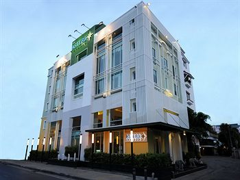 阿斯特拉薩通飯店 Astera Sathorn Hotel
