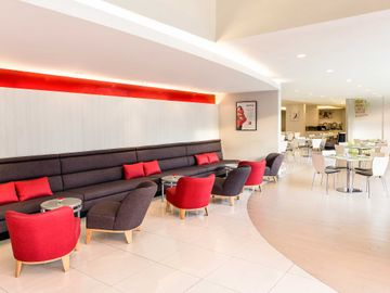 曼谷薩通宜必思飯店 Ibis Bangkok Sathorn