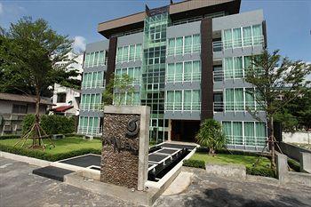 曼谷巴恩紐恩飯店式公寓 Baan Nueng Service Apartment