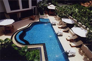 曼谷加登格羅夫套房公寓 Gardengrove Suites