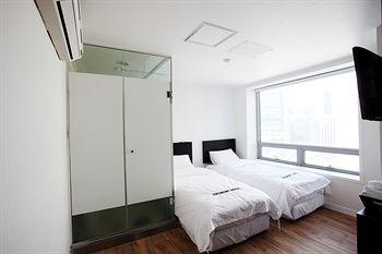 首爾明洞中央經濟飯店 Ekonomy Hotel Myeongdong Central