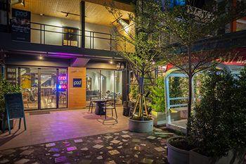 POD 設計店咖啡背包客旅館 POD Hostel Cafe Designshop