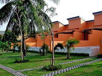陽光泳池別墅飯店 Sunshine Pool Villa