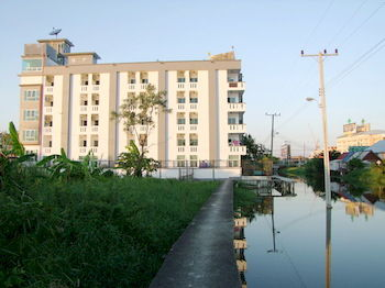 曼谷素萬那普簡約公寓飯店 At Ease Residence Suvarnabhumi