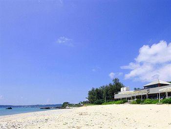 沖繩露海灘賓館 On The Beach Lue