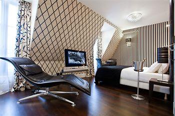 巴黎艾菲爾鐵塔飯店 Hotel Ares Eiffel