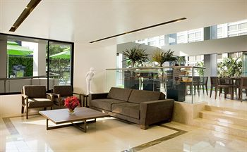 新加坡 8 昂克萊莫服務公寓酒店 8 ON CLAYMORE SERVICED RESIDENCES