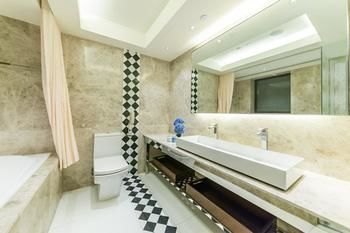 Hotel-Pravo-Hong-Kong-Bathroom