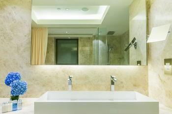 Hotel-Pravo-Hong-Kong-Guest-Room