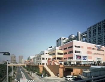 Hilton-Tokyo-Odaiba-Hotel-Exterior