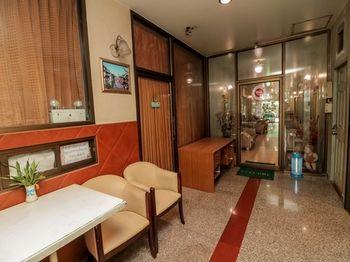 拉明拉 593 號廣場尼達飯店 NIDA Rooms RamIndra 593 Plaza
