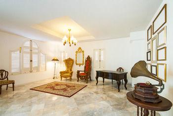 達拉索姆殖民之家飯店 Dharasom Colonial House