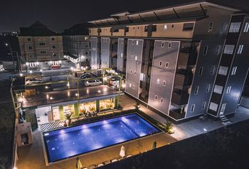 黃金機場套房飯店 Gold Airport Suites