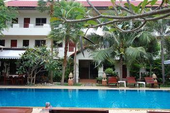 瑟里卡爾住宅暨豪華公寓飯店 Sirikarn Residence & Luxury Apartments