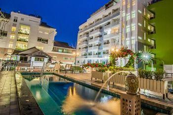 薩塔斯第一閣飯店 Sutus Court 1