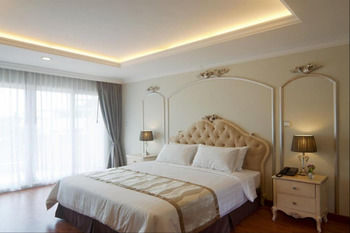 LK 貴族套房飯店 LK Noble Suite