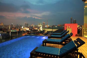 勒凡納芭堤雅飯店 Levana Pattaya Hotel