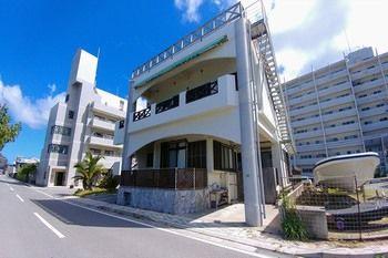 喜璃癒志海濱飯店 KARIYUSHI SEA SIDE HOUSE